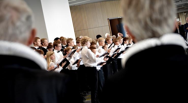 Herning kirkes drengekor sang ved indvielsen af Gødstrup Hospitalskirke