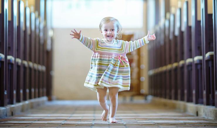 Strikket dåbskjole