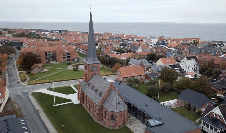 Luftfoto af Løgstør kirke