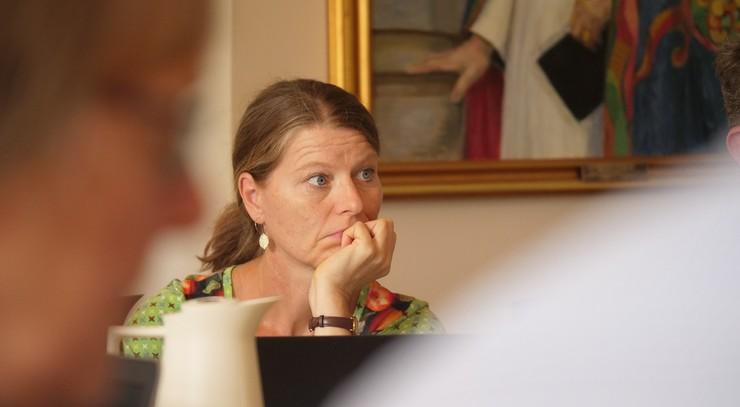 En der lytter under stiftsrådsmøde
