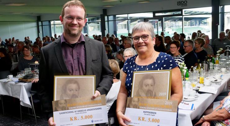 De to glade prismodtagere af Hans Tausen Initiativprisen 2019
