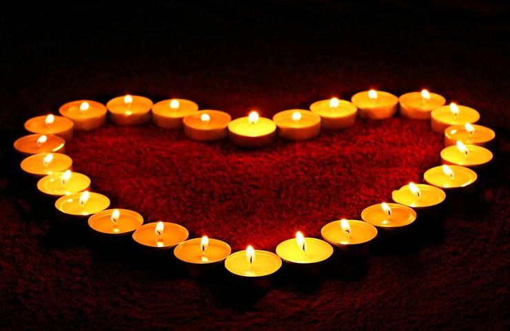 Valentinshjerte med lys