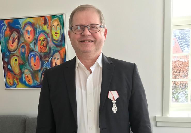 Provst Bjarne Bæk Rasmussen med Dannebrogsordenen